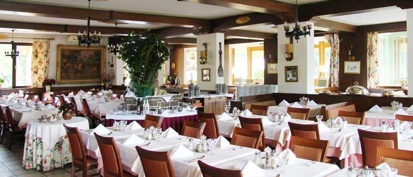 Hotel Alpenkrone, Filzmoos, Austria - Dining room.jpg